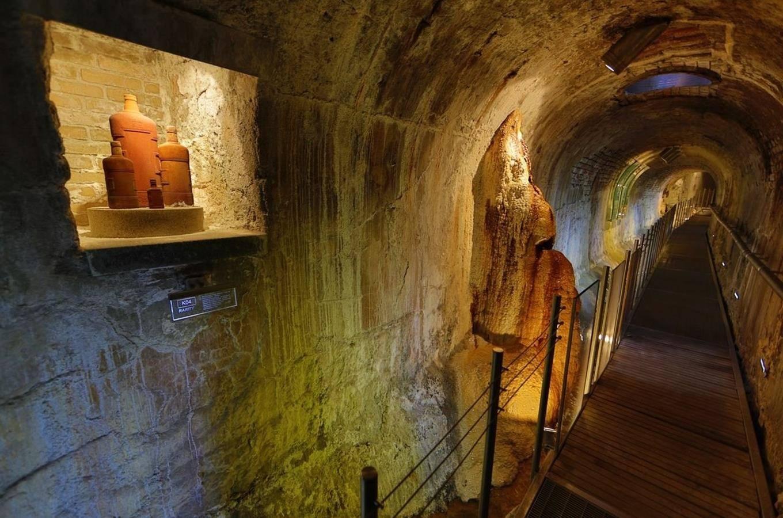 Podzemí vřídelní kolonády